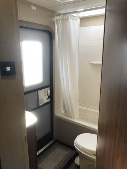 Aspen Trail 29 ft Travel Trailer Bathroom View