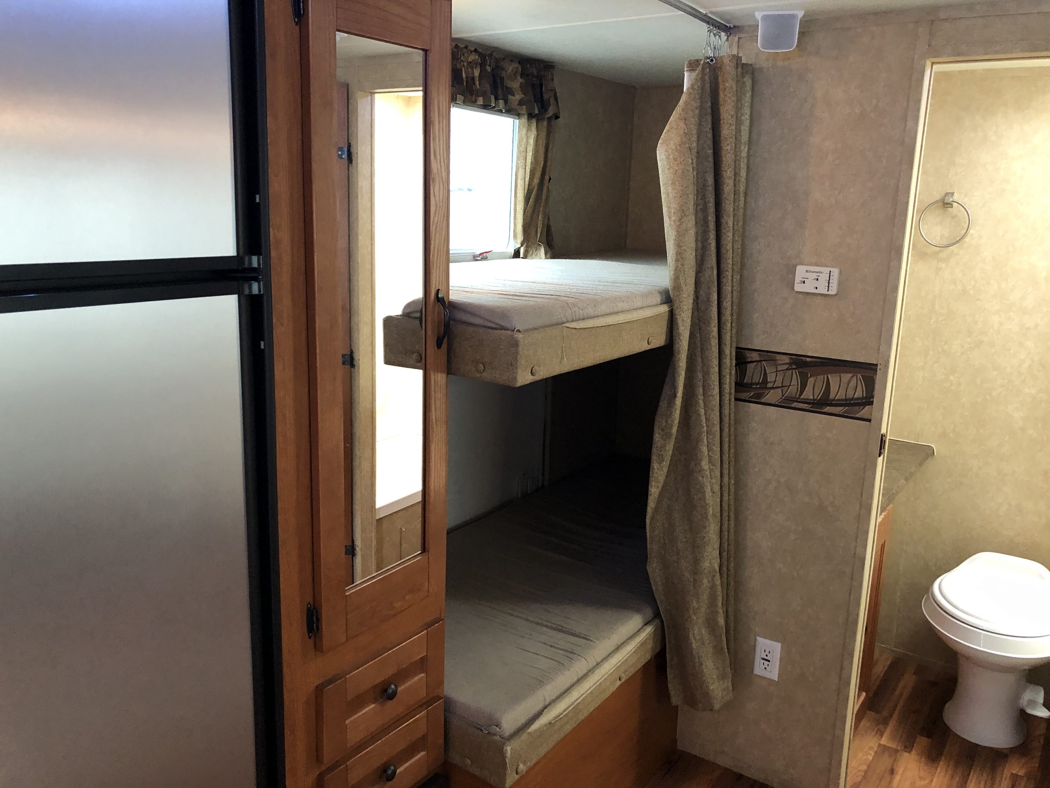 27' Heritage Glen Bunk Beds interior view