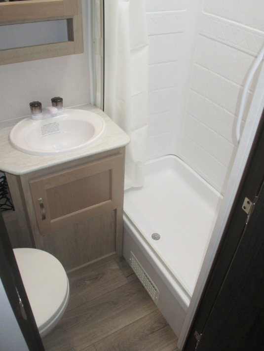 33' Surveyor Trailer Bathroom