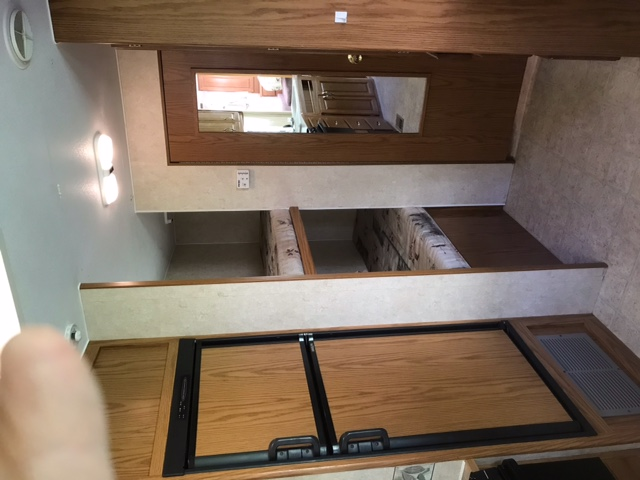 27' Topaz 5th Wheel with Slide-out bunk beds